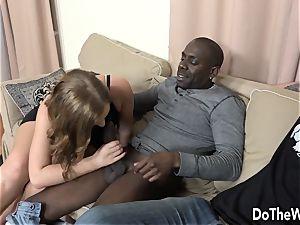 Swinger wifey Chrissy forms ass-fuck cuckold interracial