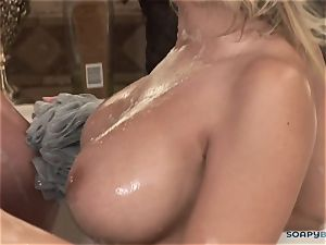 Madison Ivy gives a flawless blowage