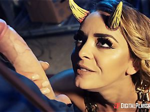 drilling that super hot insane satan Liza Del Sierra