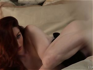 Stoya givin a magnificent solo spectacle