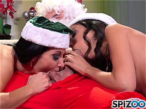 Spizoo - Ava Addams and Trinity plows Santa's ginormous hard-on
