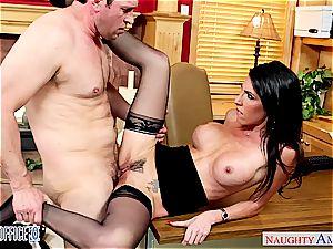 Darling Dava Foxx opens her gams for a fine labia slurping