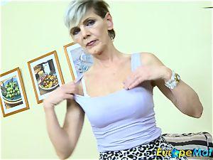 EuropeMaturE slender granny Ivana Solo fingering