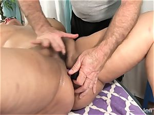 ample jugged chinese plumper Miss Lingling gets a hook-up massage