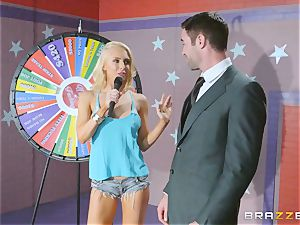 Game showcase dick smashing with blondie beauty Alix Lynx