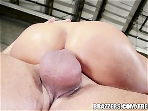 Brazzers - Mischa Brooks - In His Capable forearms