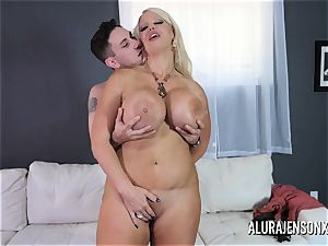 massive orb mummy Alura Jenson enjoys humping junior studs