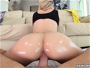 Jessa Rhodes is lubricated up and prepped to be ravaged