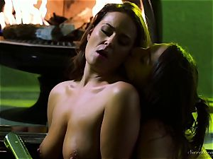 Elexis Monroe seduced by super-hot stepdaughter Abella Danger