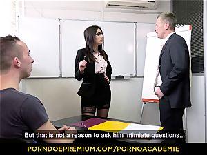porno ACADEMIE - tutor Valentina Nappi MMF threeway