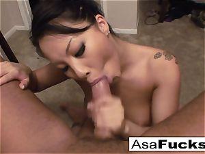 Asa gives an extraordinaire deep facehole deep throat