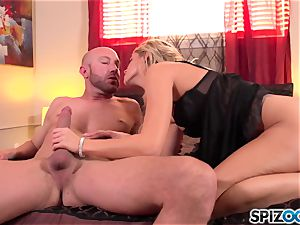 Spizoo - sumptuous Jessa Rhodes is pulverized by a yam-sized spear