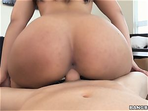 Ava Sanchez cleaning naked
