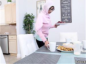 Mia khalifa splendid double oral job and super-sexy plumb
