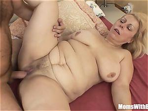 Saggy jugged platinum-blonde Mature Stepmom anal poked