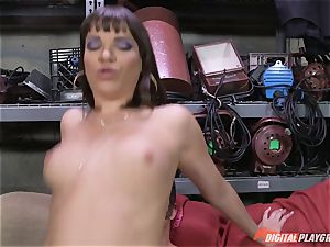 Dana DeArmond gets her mind-blowing cock-squeezing gash licked and played with