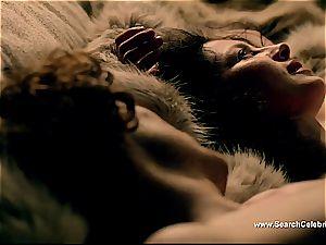 Caitriona Balfe in molten romp episode from Outlander