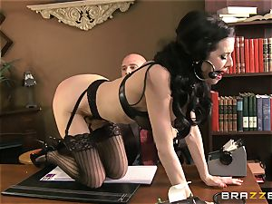 Veronica Avluv gets muddy in the office and her chief finds out