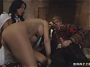 Alluring Anissa Kate and Jasmine Jae comply the king's will and weenie